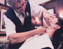 Royal shave: Signature shave with facial massage